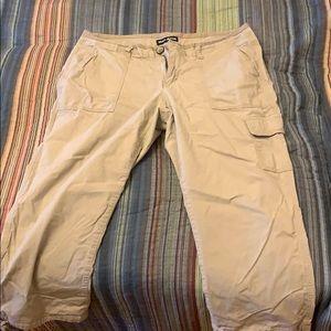 DKNY Jeans Capri pants Size 12